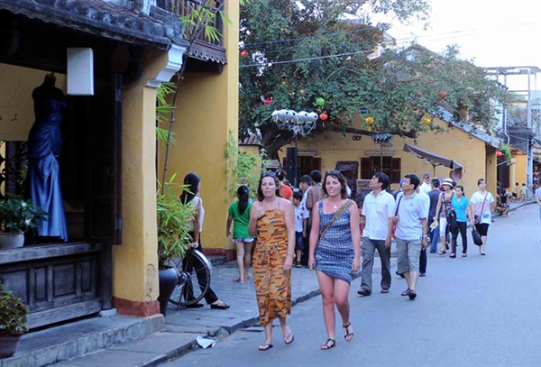Hoi An once again expands walking zone for tourists