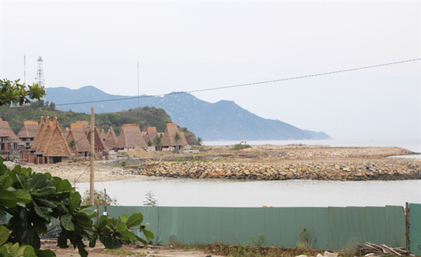 Deputy prime minister orders to investigate Nha Trang Bay encroachment case